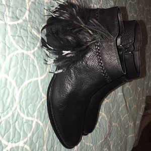 Gianna Bini Black Booties with tassel